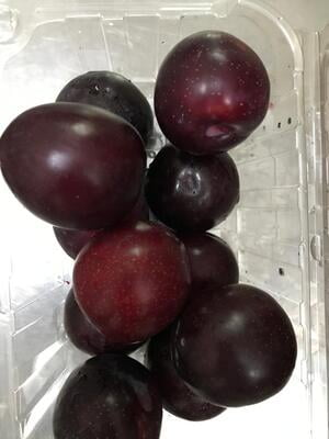 Plums Indian (500gm approx)